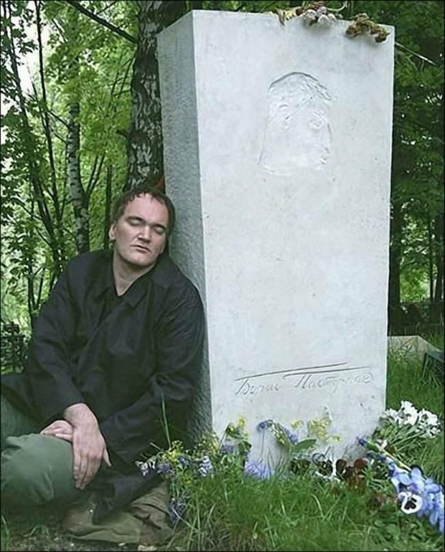 2004 год. Переделкино. Квентин Тарантино на могиле Бориса Пастернака, своего литературного кумира с самого детства.