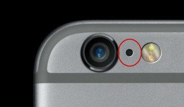А вы знаете, зачем в iPhone это маленькое отверстие между камерой и вспышкой?