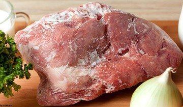 Вот самый быстрый и безопасный способ разморозить мясо