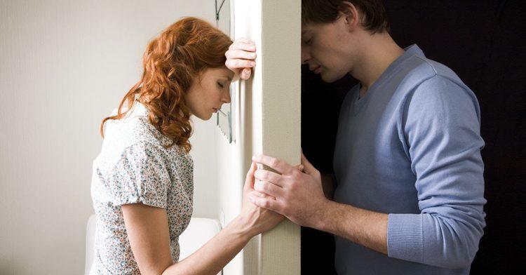 Муж хочет подложить жену под начальника