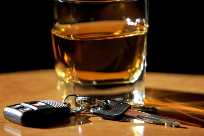 Его подруга вызвала полицию, обвинив его брата в вождении в состоянии алкогольного опьянения