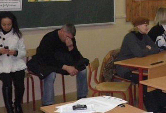 Пришел на школьное собрание и доказал, что мужчины не взрослеют