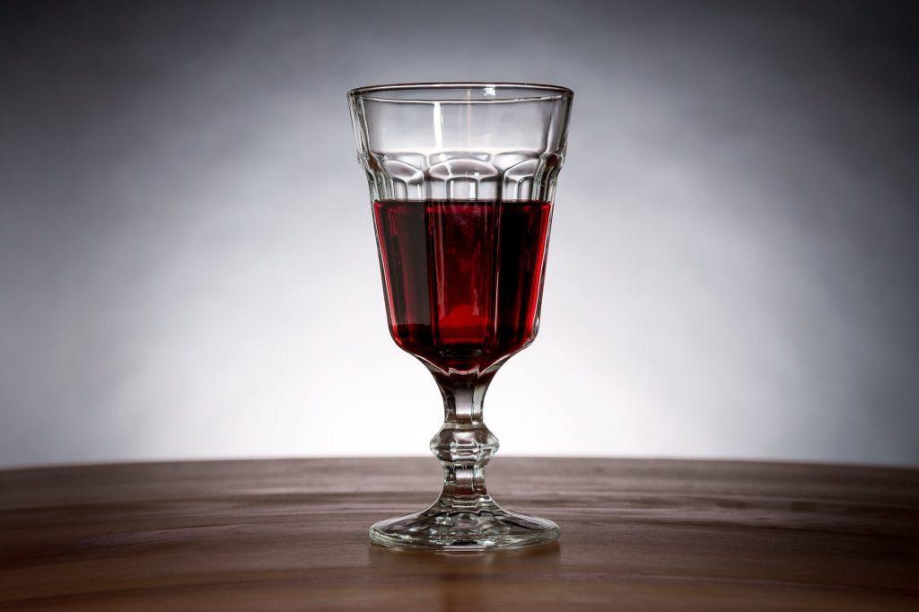 Как стакан вина может вывернуть наизнанку