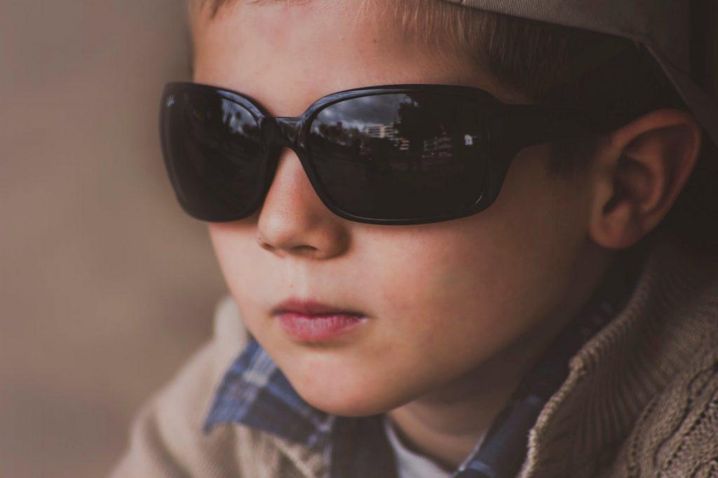 В нашем классе ослеп мальчик, а мы ему помогли в школу ходить