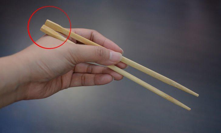 Никогда бы не догадался зачем нужна эта часть китайских палочек!