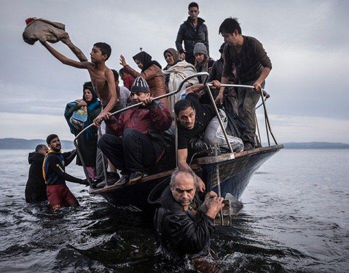 13 сильных фотографий, которые получили Пулитцеровскую премию.