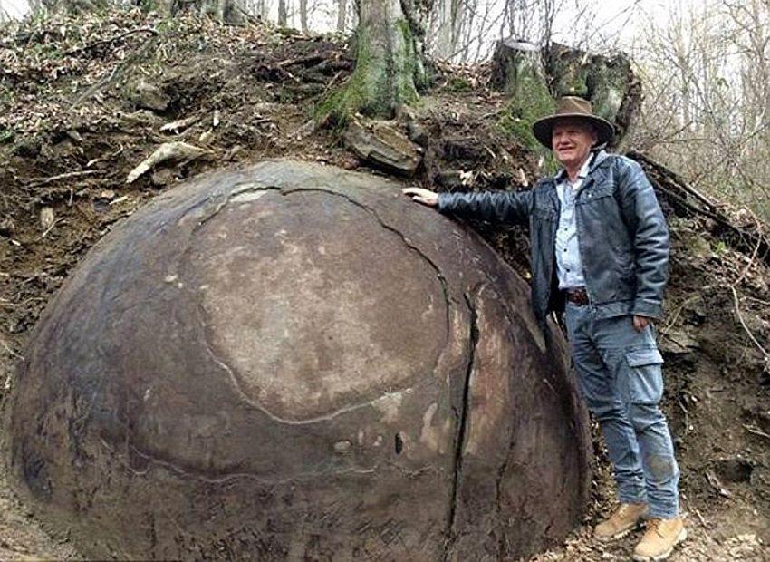 Появление этих шаров покрыто тайной... Исследователи до сих пор в шоке!