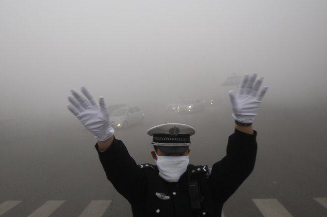 Невероятно! В Китае людям приходится покупать воздух для того чтобы ЖИТЬ!
