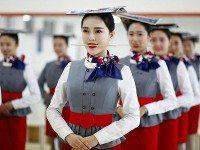 15 фотографий о том, как готовят китайских стюардесс