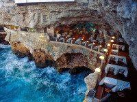 Ресторан внутри пещеры в Италии позволит вам отужинать, наслаждаясь захватывающими видами