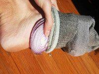 ВРАЧИ МОЛЧАТ ОБ ЭТОМ! Как обычный лук в носках может ИЗМЕНИТЬ вашу жизнь?