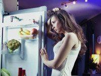 Она случайно закрылась в холодильнике. Но потом случилось ЭТО.