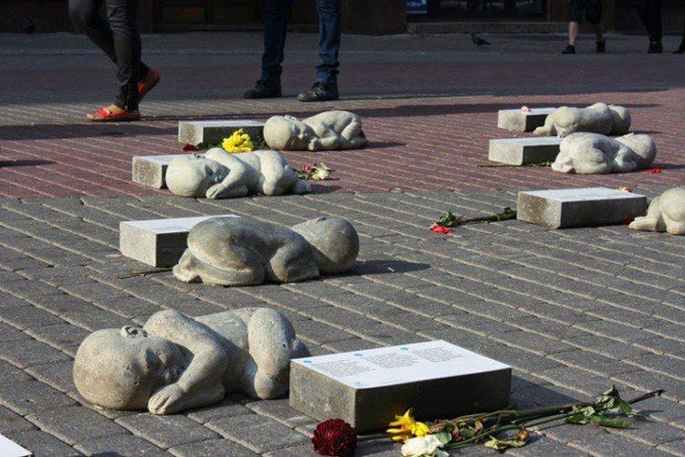 10 самых грустных памятников мира. От их вида сжимается сердце.