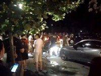 Люди бросили свои машины и побежали в парк, чтобы поймать ЭТО. Их тысячи!