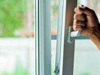 Если у вас дома пластиковые окна, вы обязаны знать эти 2 нюанса!