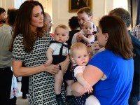 Папарацци были очень удивлены, увидев, во ЧТО были одеты дети королевской семьи...