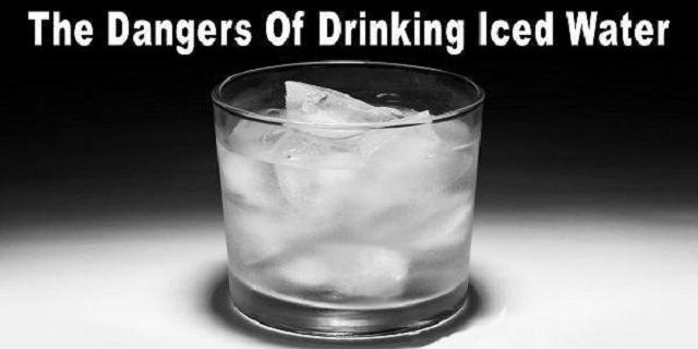 Вот почему нельзя пить воду со льдом!