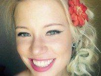 27-летняя девушка потеряла сознание в поезде. Очнувшись, она нашла рядом эту записку.