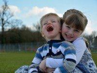 Мальчик стал донором крови для сестры. Когда они лежали рядом, врачи услышали вопрос, который нужно запомнить на всю жизнь
