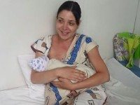 В Челябинске роженицу не пустили в роддом...В ночь с 7 на 8 июля 30-летней жительнице Челябинска Ольге Подрядовой пришлось рожать прямо в машине, т.к. ее с мужем...