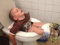 15 смешных фото, доказывающих, что дети могут заснуть где угодно