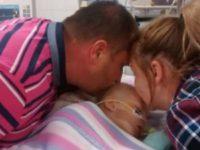 Родители просто хотели попрощаться, но то, что они сделали со своей почти мертвой дочерью, поразило всех!