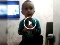 4-летний мальчик учит маму, как нужно с ним разговаривать