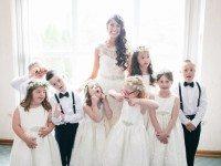 Учительница детей с синдромом Дауна пригласила весь класс на свою свадьбу