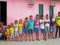У этой пары уже есть 13 сыновей. И они не остановятся, пока у них не родится дочь!