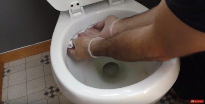 7 простых хитростей вы будете использовать каждый раз, когда чистите ванную комнату