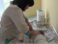 Мать родила и выбросила младенца в саду в Подмосковье