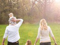 Они просто хотели сделать семейное фото. Но на нем 2 умерших человека, которые никогда не будут забыты