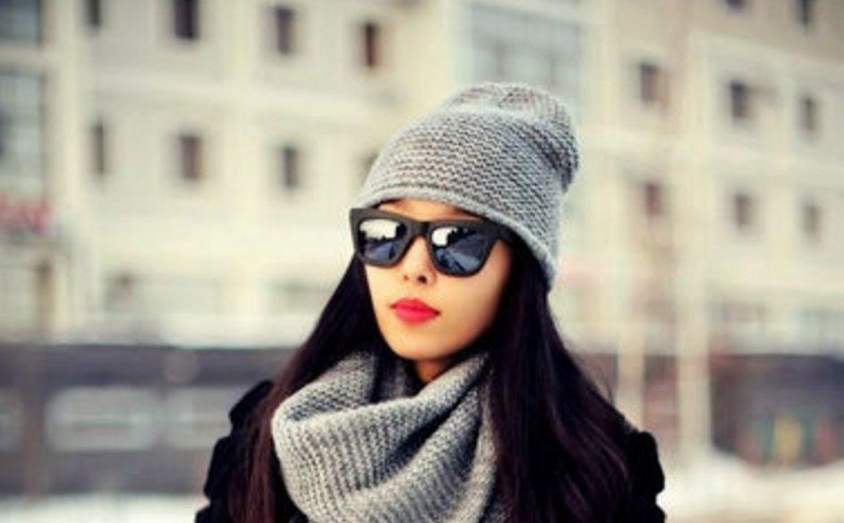 Тепло и стильно: пять самых модных шапок этой зимы