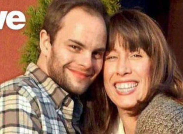 Мужчина развелся с супругой, чтобы жениться на собственной матери