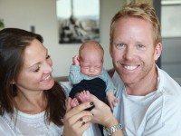 Впервые в мире она родила ТАК. Здоровый годовалый малыш сделал родителей самыми счастливыми!