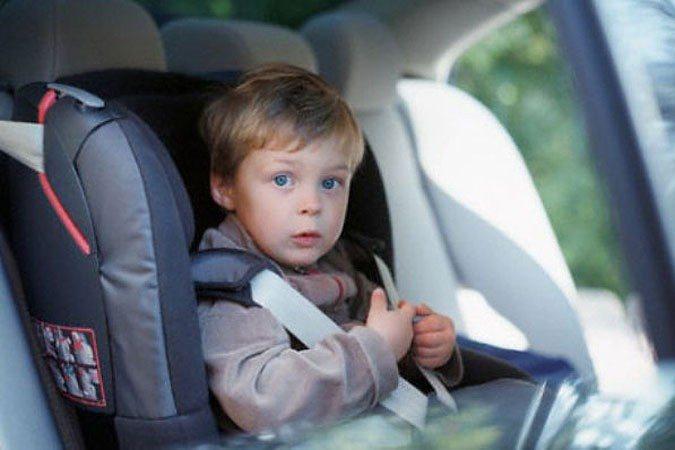 8 причин, почему нельзя оставить ребенка в машине даже на 5 минут