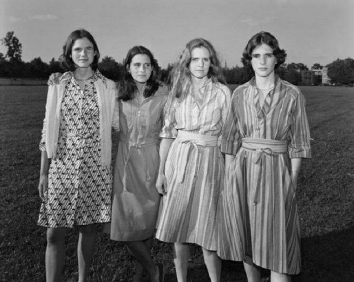 Четыре сестры фотографировались вместе каждый год на протяжении 40 лет!😍