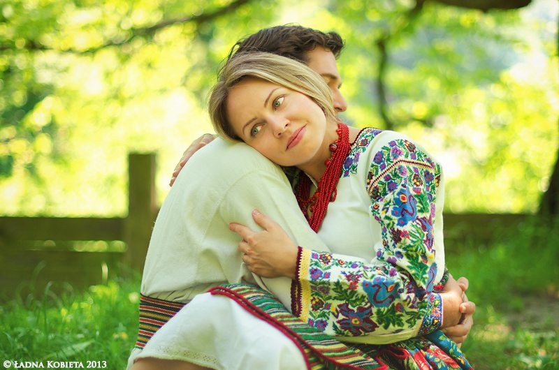 Жили-были на свете обыкновенные муж и жена. Звали жену Елена, звался муж Иваном.
