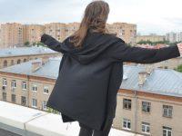 Девочка объявила, что собирается уйти из жизни через 87 часов, а СК и МВД ответили: «Приходите после выходных»