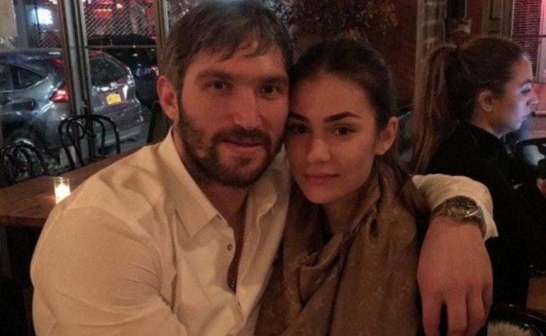 Поклонники осудили Александра Овечкина за трогательный пост, посвященный жене