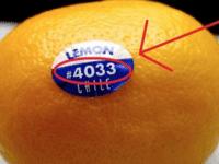 А ты знаешь, что скрывают эти наклейки на фруктах? Важная информация для покупателей!