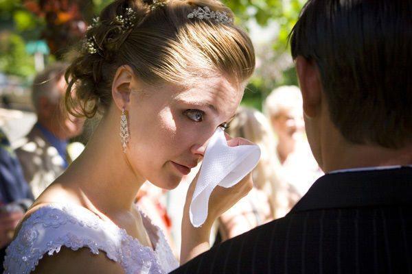 Он пришел к ней на свадьбу