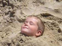 Были на пляже с мужем и сыном (8 лет)