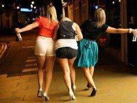Три подруги, решили отметить 8 марта