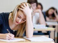Когда экзаменаторы получили записку от абитуриентки, они были в шоке от ее содержания