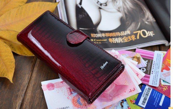 Она потеряла свой кошелек. Но потом случилось ЭТО.