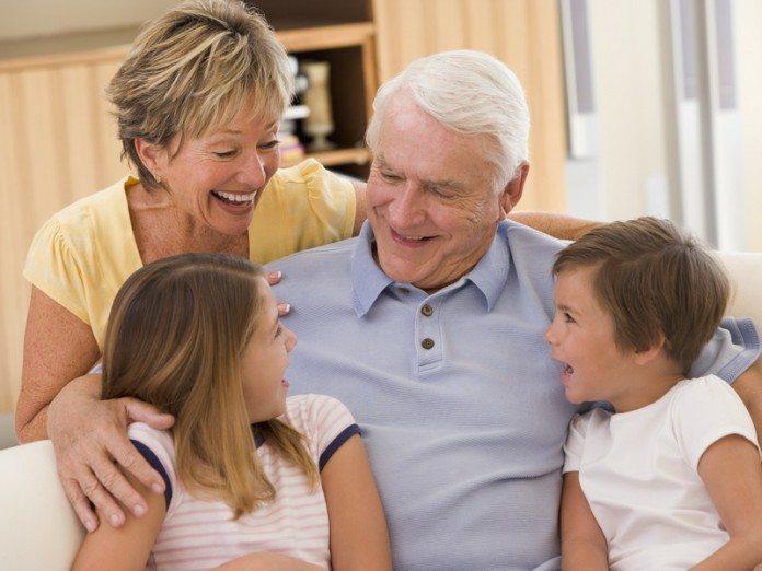 Дедушка рассказал секрет счастливого детства. Это бесценно.