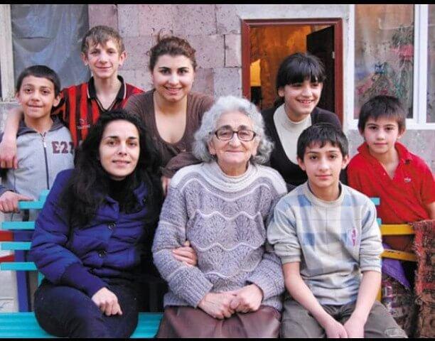 Многодетная мать из Армении!!