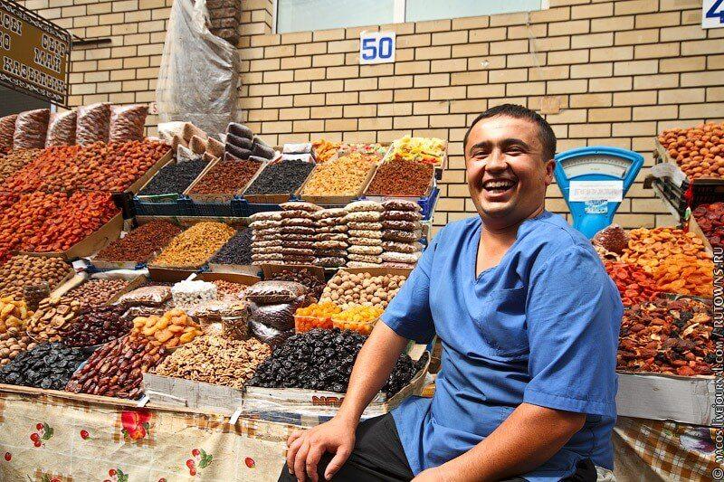 В большом сетевом магазине рядом с моим домом открыли лавочку с сухофруктами и орехами
