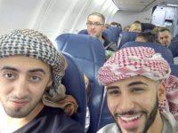 Этот морской пехотинец летел в самолете с двумя арабами